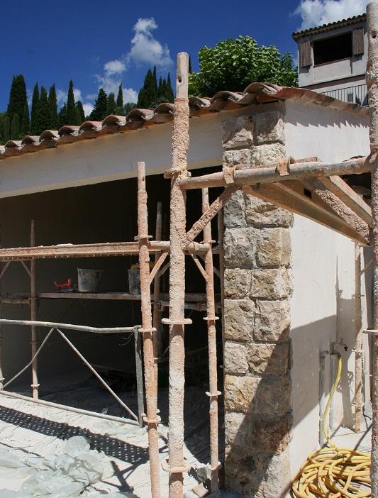 Construction de maisons extensions agrandissements for Construction de maison en pierre